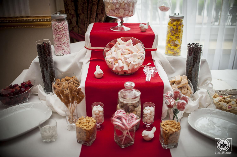 Słodki bufet na wesele candy bar czerwony