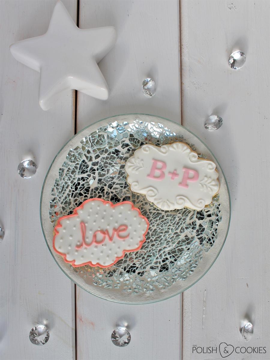 ciasteczka śłubne weselne dla gości z inicjałami imionami love