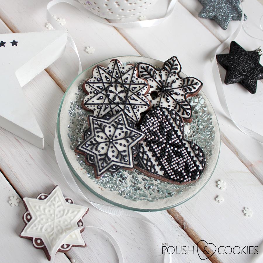 ciasteczka świąteczne  pierniczki  czarny lukier królewski