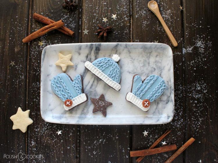 pierniczki rękawiczki i czapka sweterkowe dziane lukrowane