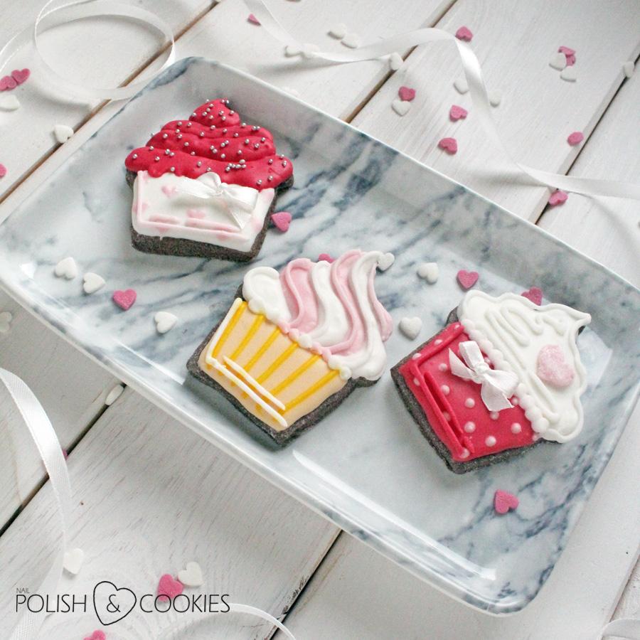 Ciasteczka cupcake babeczki słodkie ciastka dekorowane lukrem