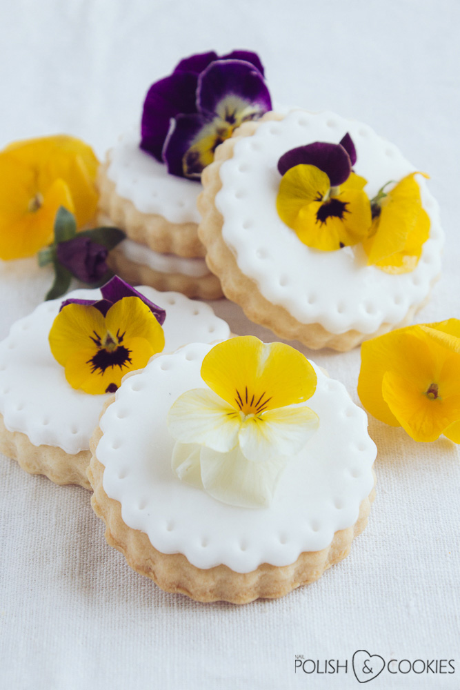 kwiaty jadalne na tort