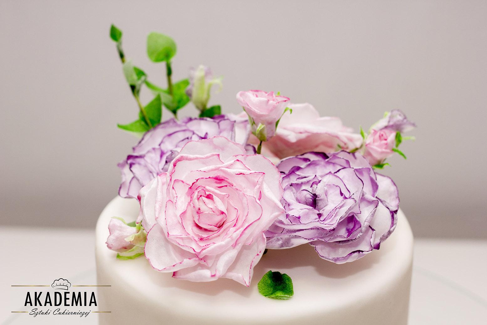 roze na tort