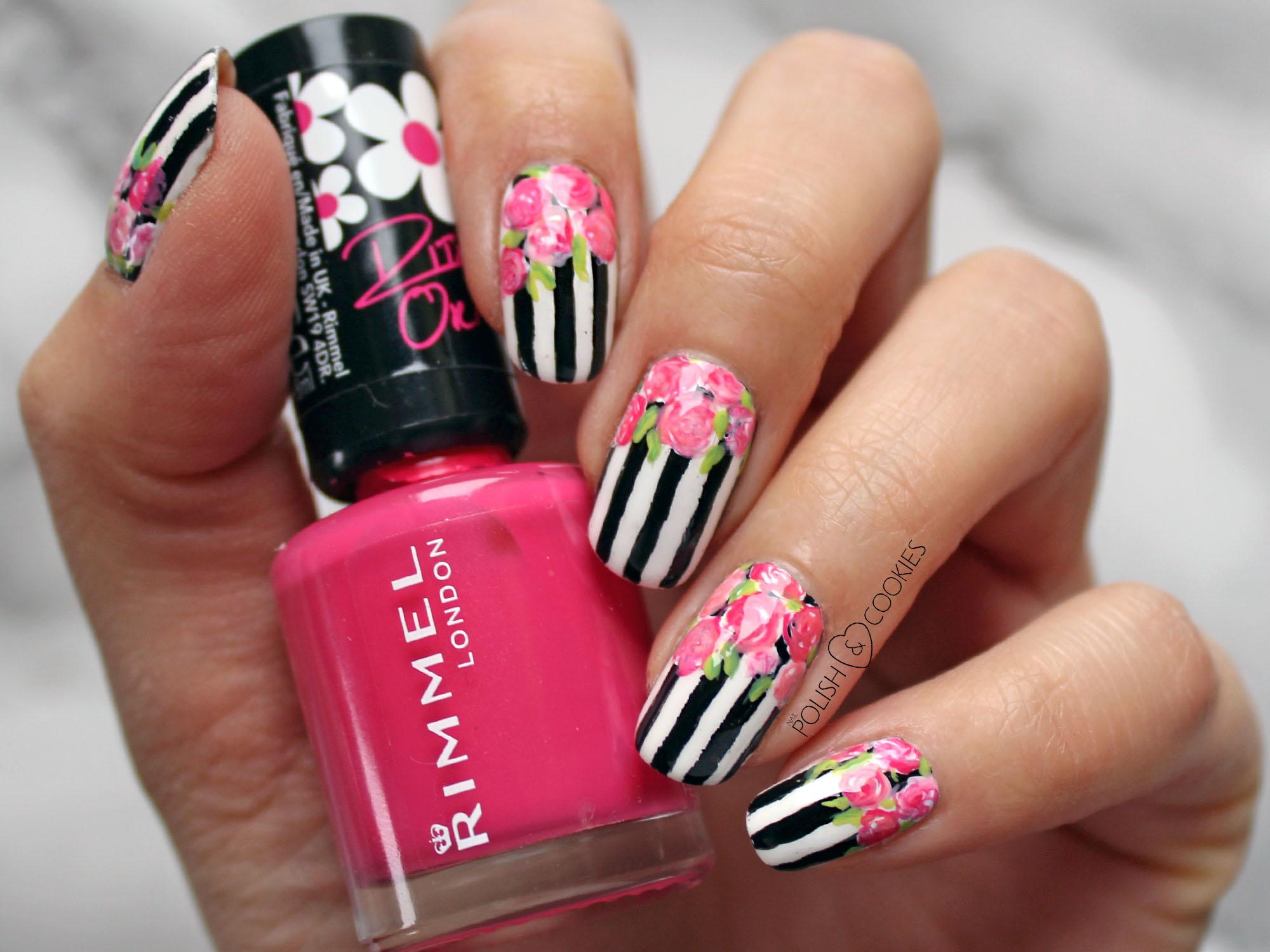 paski i roze na paznokciach
