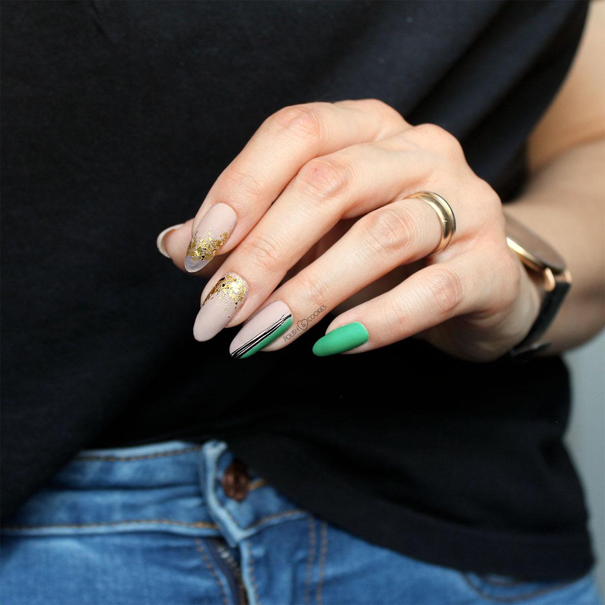 minimalistyczne paznokcie ze zlotem