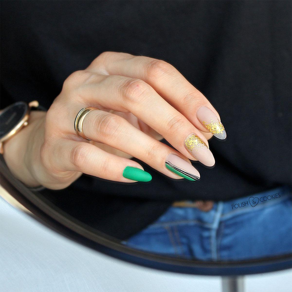 minimalistyczne paznokcie zielone