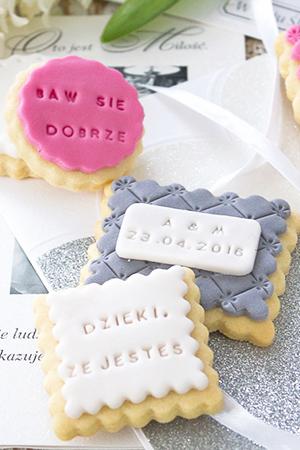 ciasteczka z napisami biale